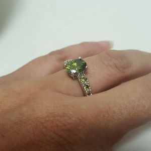 Jewelry - Oval Peridot Sterling Silver Ring